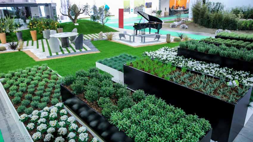 Il festival dei piccoli giardini pi belli for Idee per giardini piccoli