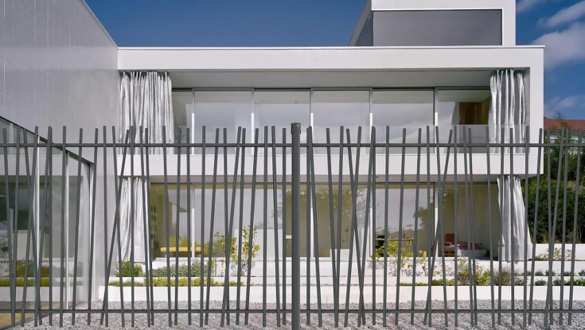La recinzione somiglia al bambù per un giardino zen