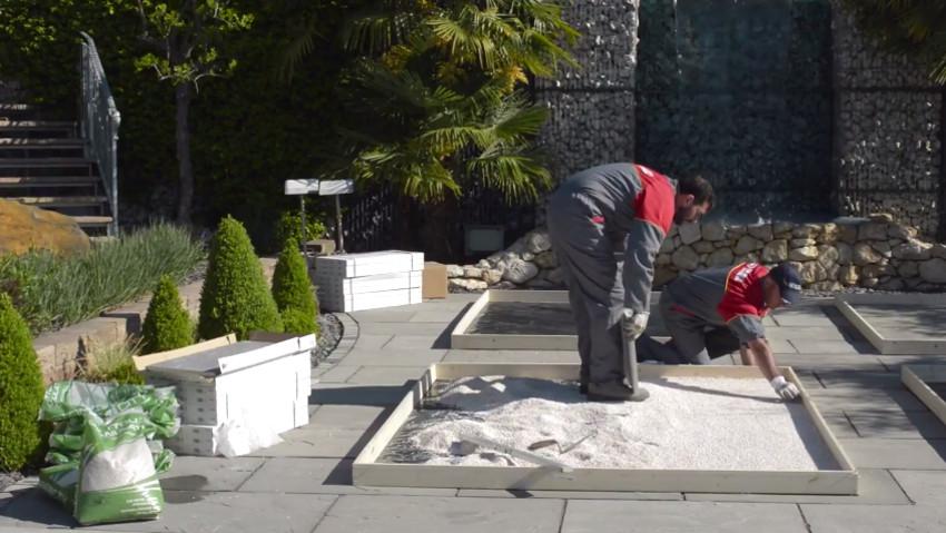 Come posare il pavimento in gres su ghiaia