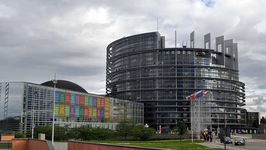 Glifosato: sì dell'Europa per altri cinque anni