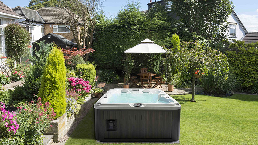 Spa per giardino, idromassaggio da esterno Jacuzzi