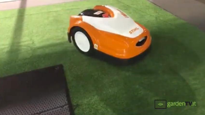 Nuovo robot rasaerba per uso privato