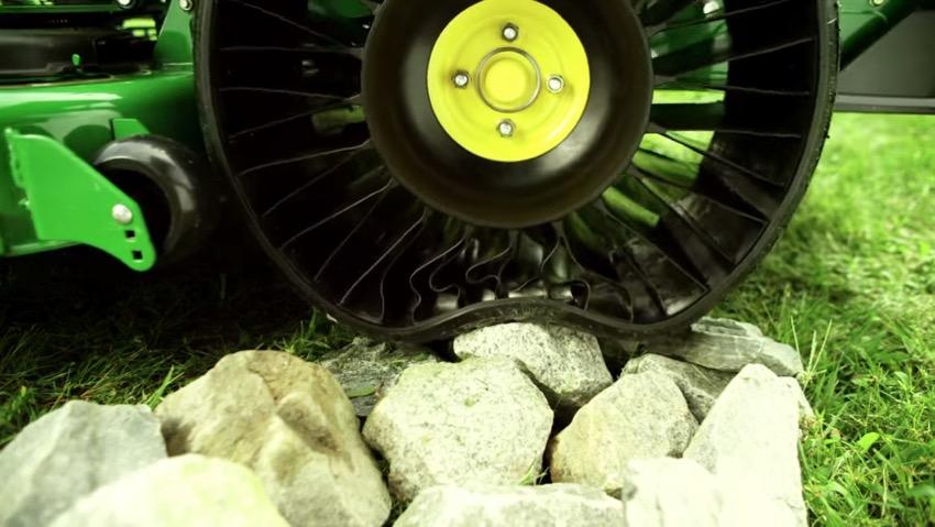 Michelin X Tweel Turf rivoluziona la falciatura