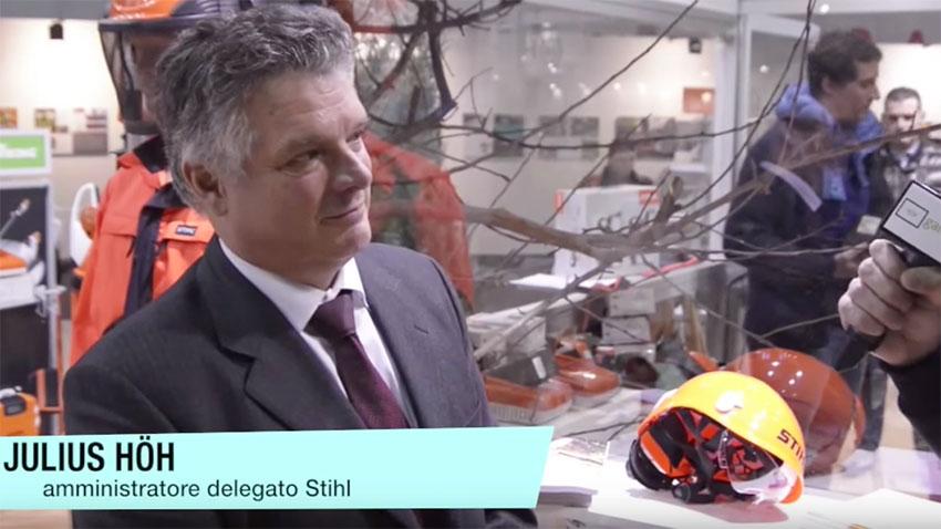 Stihl presenta il nuovo casco per uso forestale