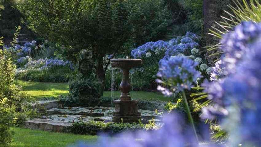 Villa della Pergola si colora di blu