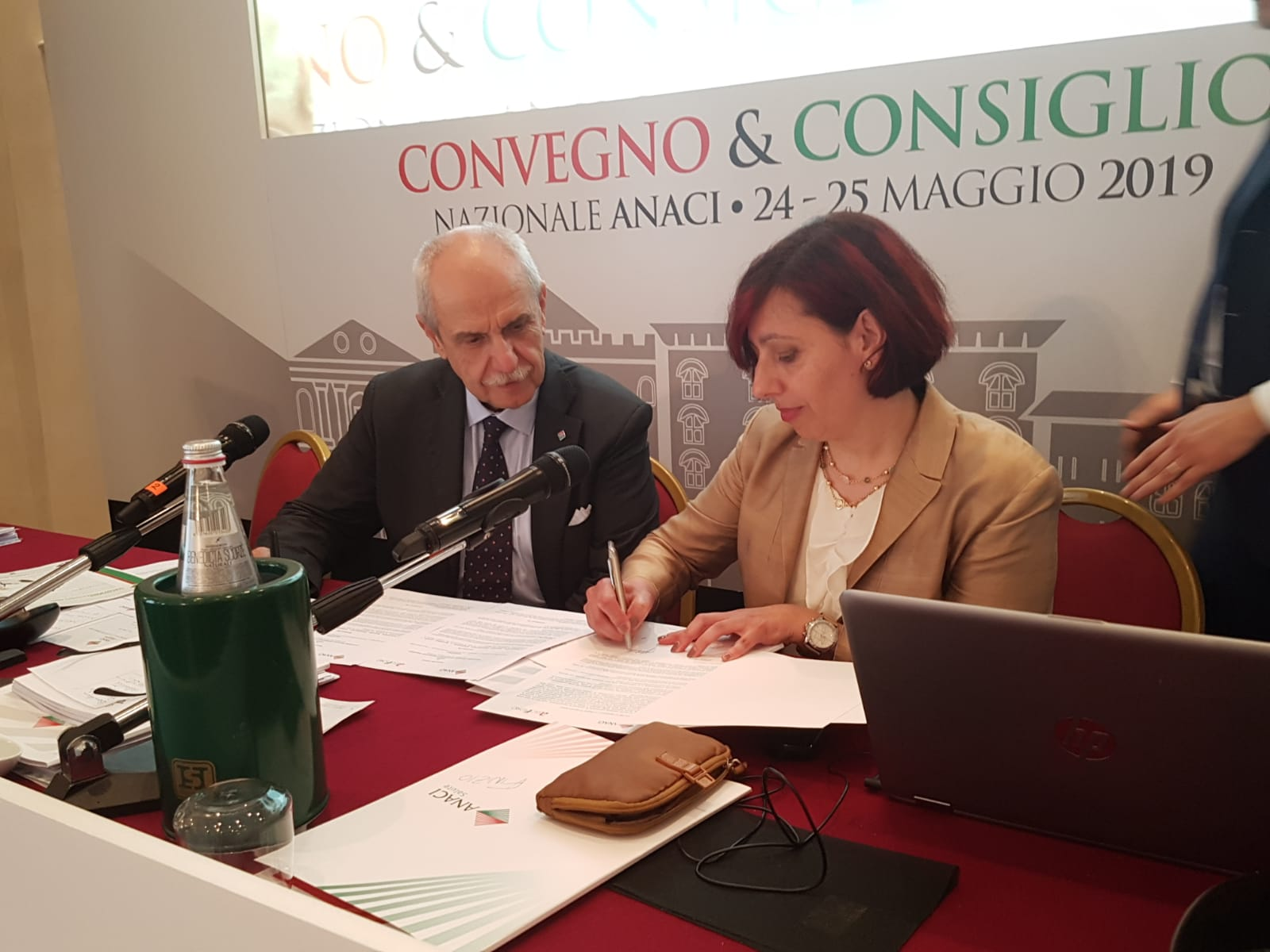 Firma protocollo gestione verde condominiale